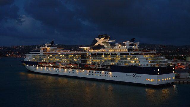 driving-cruise-ship-759796_640