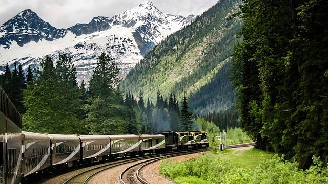 rocky-mountaineer-5353583_640