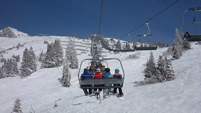 ski-lift-999226_640